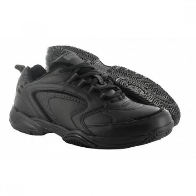 Черни олекотени спортни обувки MAGNUM