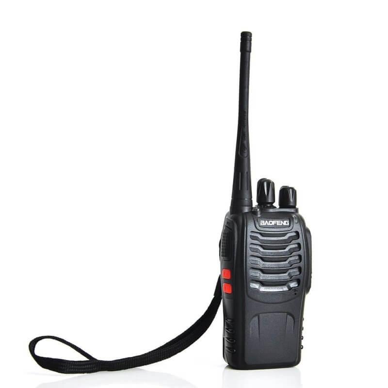 Радиостанция на ултра високи честоти с 16 канала и вграден фенер