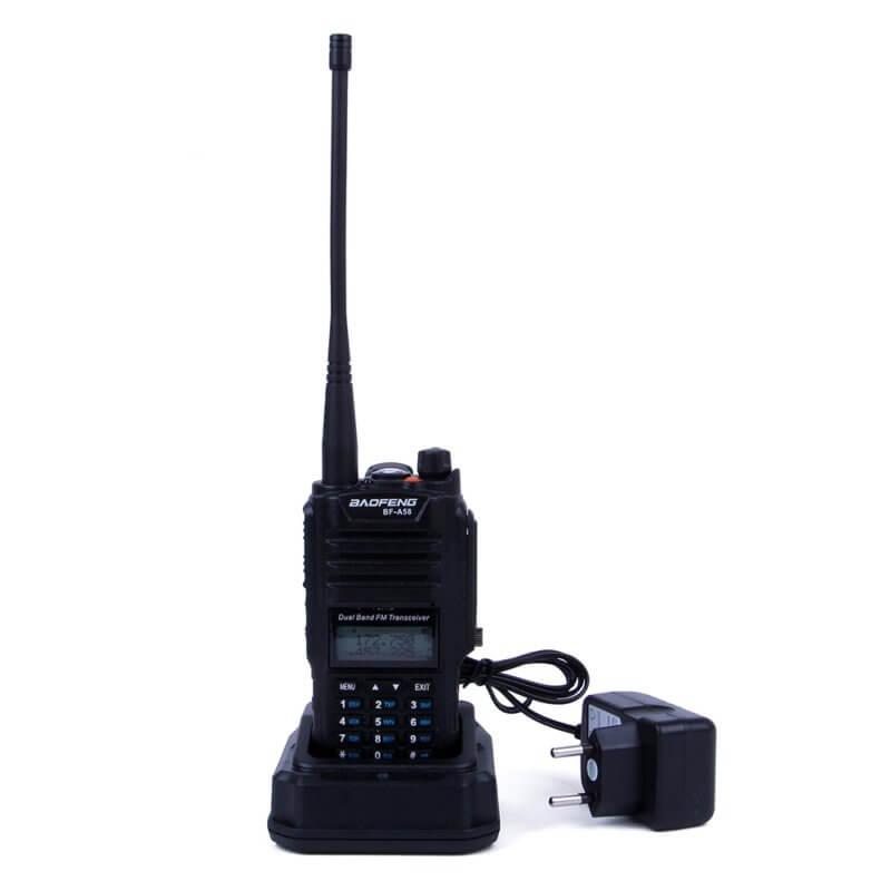 Водо и ударо устойчива радиостанция с две честоти и 128 канала Baofeng